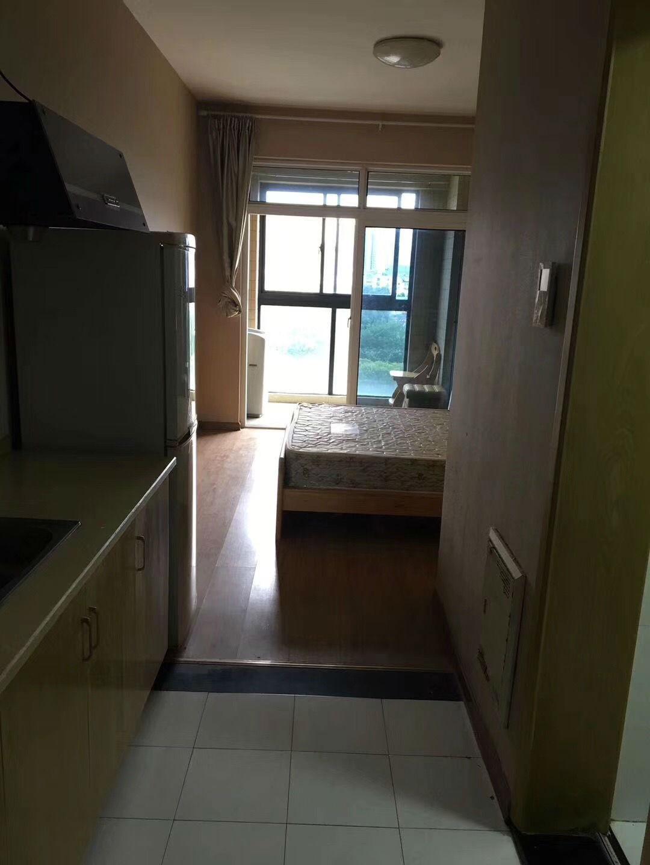 灏庭5楼单身公寓,30平方,1800.有钥匙02| 中介出租